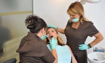 proteza dentară fixă implant dentar Ce este proteza dentară fixă pe implanturi? proteza buna 350x210